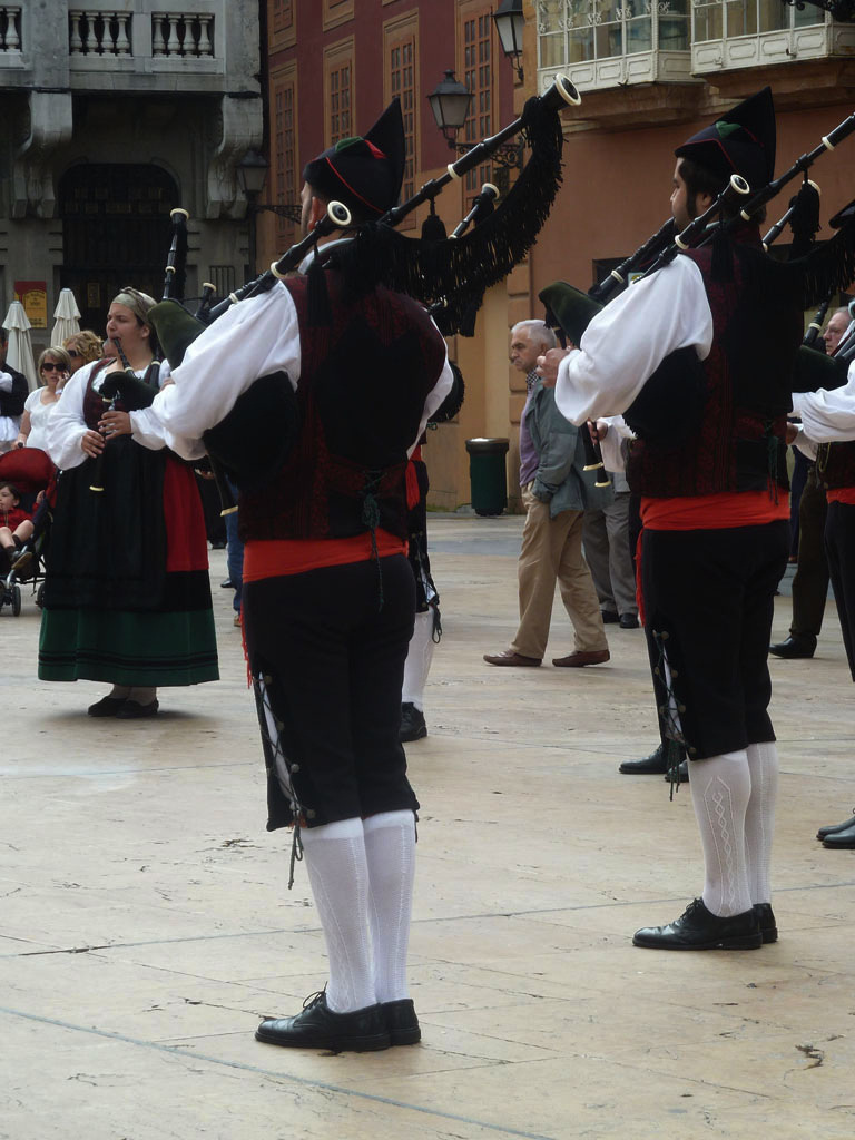 spanish bagpipers
